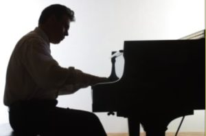jwKB-Piano-Silohette1